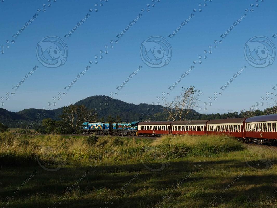 Train_Train_Tracks_2.jpg