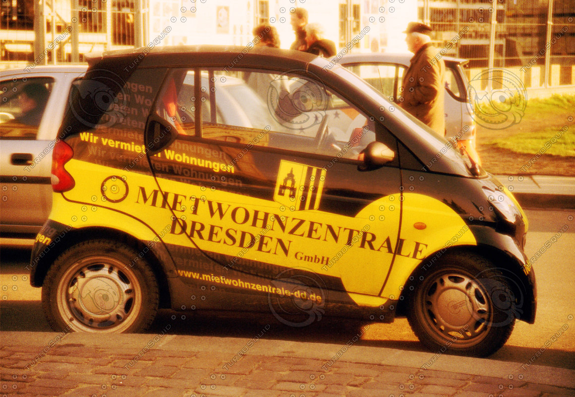 SMART CAR IN DRESDEN TS.jpg