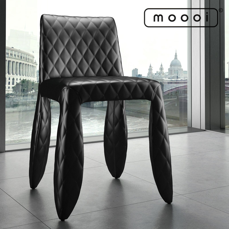 Moooi_Monster_Armchair_Black2_Signature.jpg